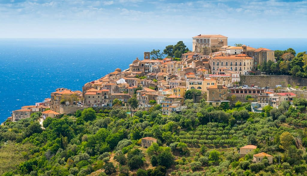cilento-landscape-sea-houses-hill
